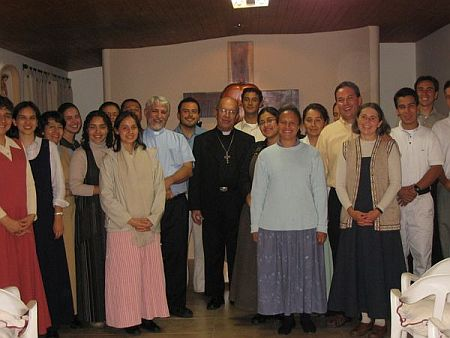 Hijos de la Divina Voluntad with the Archbishop of Medellin